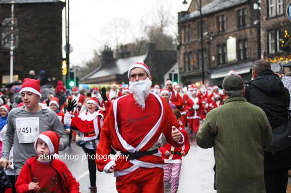 Saddleworth-Santa-dash-2018-2
