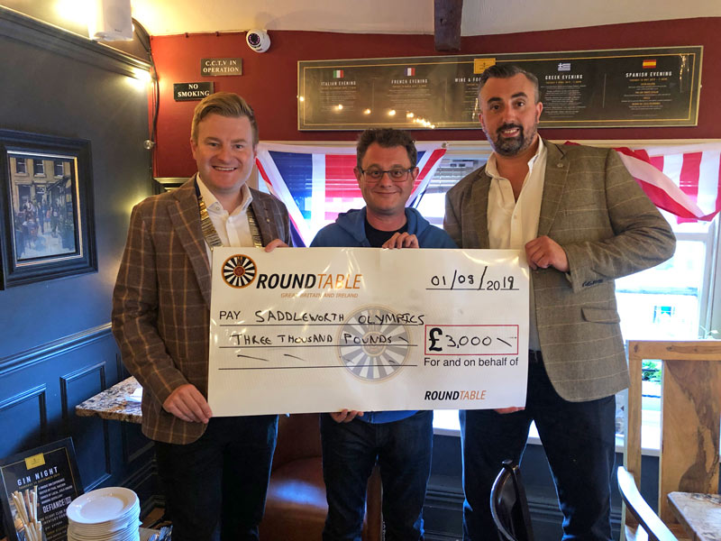 Saddleworth-Round-Table-cheque-presentation