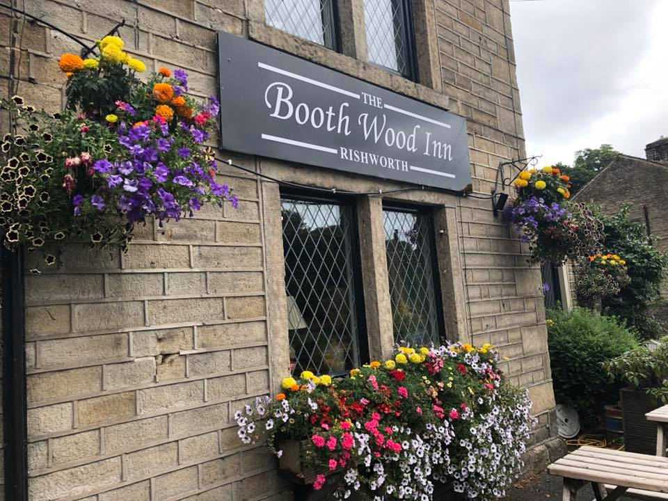 the-booth-wood-inn-rishworth-free-house-restaurant-sunday-lunch-saddleworth