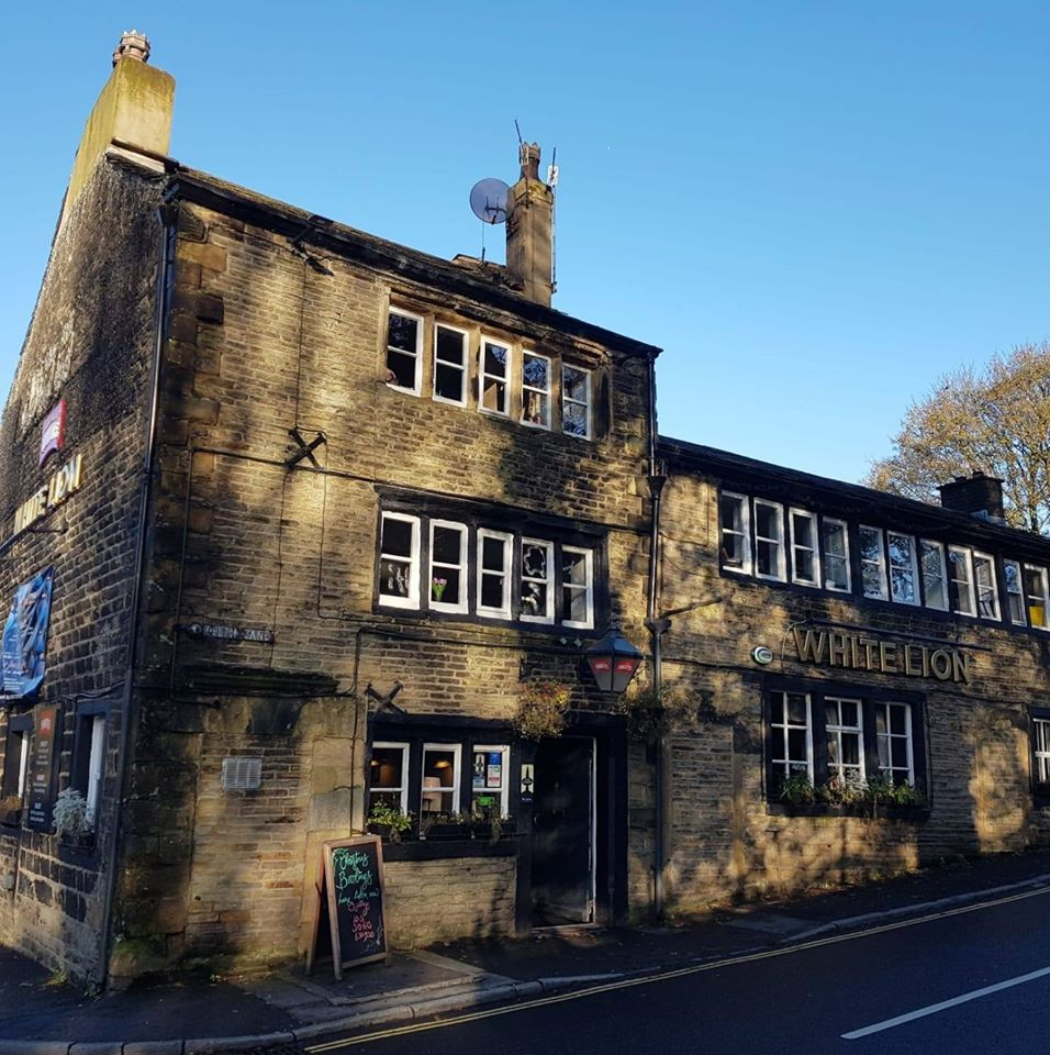 white-lion-delph-pub-restaurant-live-entertainment-saddleworth