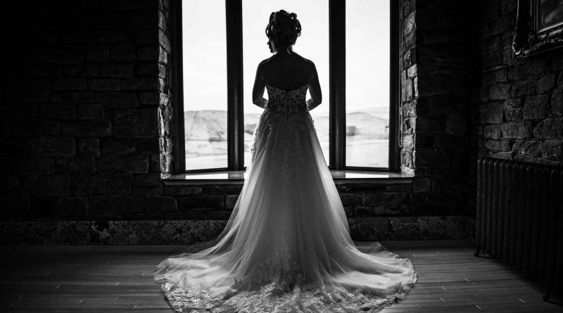 around-saddleworth-magazine-wedding-photoshoot-saddleworth-hotel-envision-images