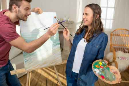 plan-the-perfect-valentines-day-couple-painting-together