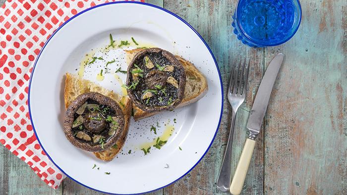 garlic_roasted_mushroom_toasty-treats