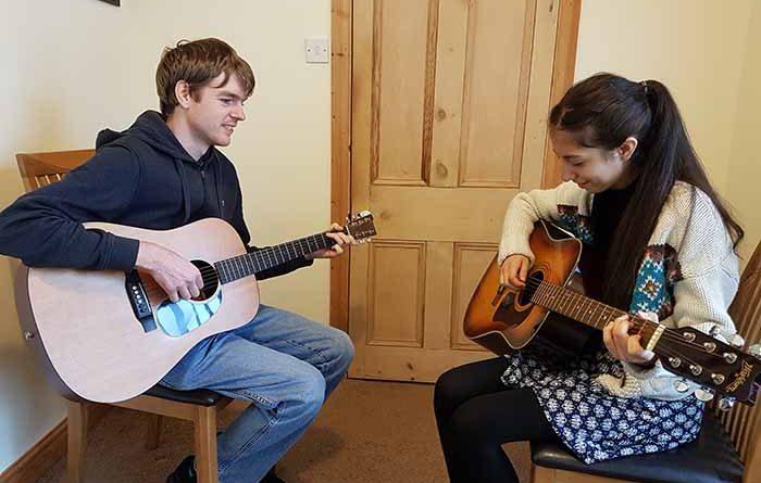 saddleworth-guitar-tuition