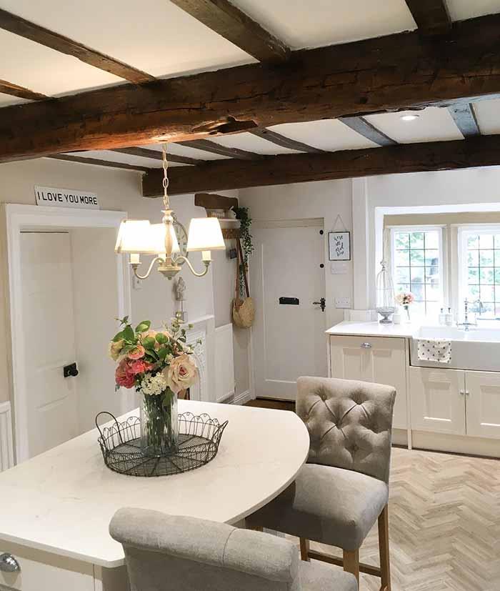 Dreamy-cottage-kitchen-2